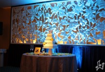 Cyan Up Lighting Cake Table